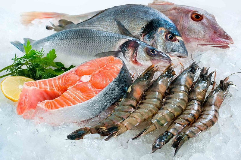Đá vảy bảo quản và trưng bày hải sản.